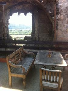 Beckov Castle teahouse ©englishmaninslovakia.com