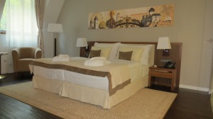 The suites here are huge, with vast bathrooms that get stand-alone bath tubs ©englishmaninslovakia.com